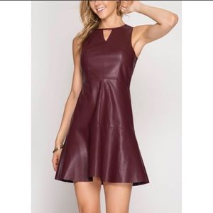 🍷NWT JUST IN! VEGAN FAUX LEATHER TRUMPET DRESS